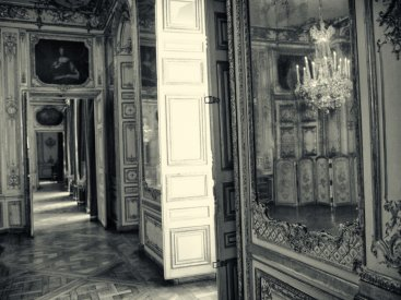 Château de Versailles hallway
